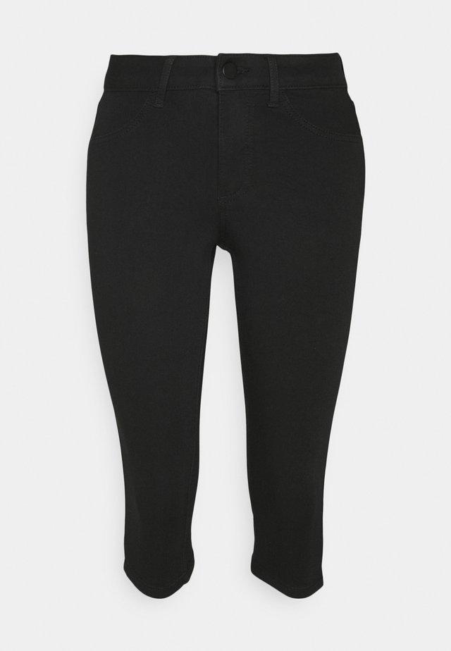VIJEGGY CAPRI - Shorts - black
