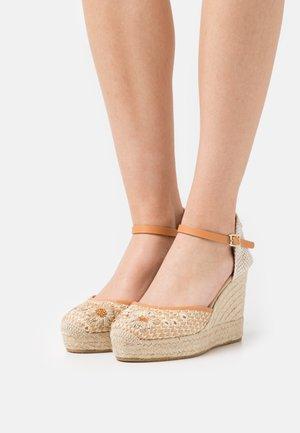 INES - Sandales à plateforme - natural/beige