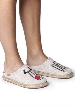 MIRI-EF - Slippers - deer