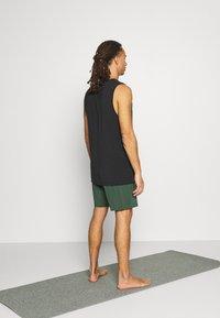 Nike Performance - SHORT - Pantaloncini sportivi - galactic jade - 2