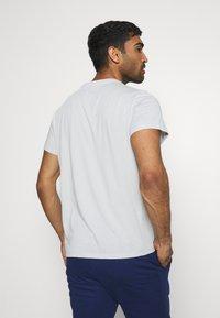 Tommy Hilfiger - COLOURBLOCK LOGO - Print T-shirt - grey - 2