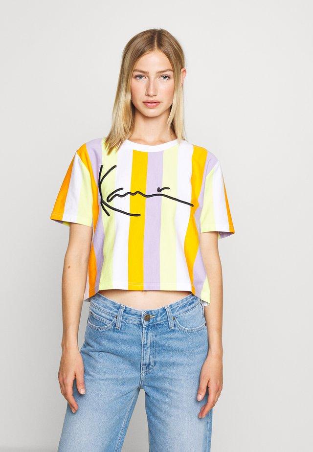 SIGNATURE - T-shirt con stampa - white