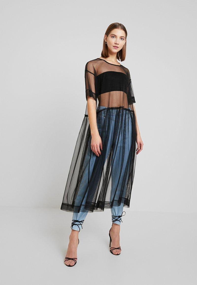 Monki - SILVIA DRESS - Denní šaty - black