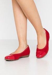 Gabor - Ballet pumps - cherry - 0