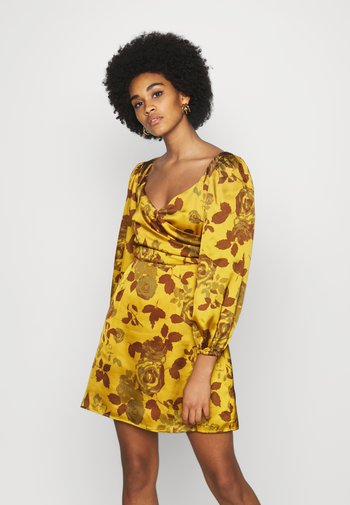 MINI DRESS WITH PUFF SLEEVES - Cocktailkjole - ochre