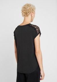 ONLY Tall - ONLFFREE - T-shirts - black - 2