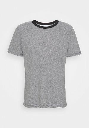 TAYLER - Print T-shirt - black/white