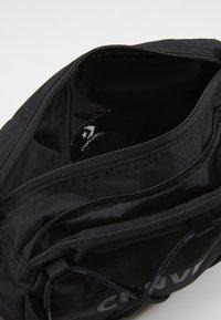 Converse - SWAP OUT SLING PACK - Bum bag - black - 5
