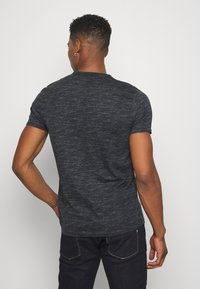 Hollister Co. - TONAL GRAPHIC 3 PACK - T-shirt con stampa - light blue/blue/black - 2