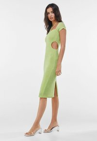 Bershka - MIT RING UND CUT-OUTS - Cocktail dress / Party dress - green - 1