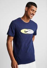 Nike Sportswear - SUBSET TEE - T-shirts print - midnight navy/black/hyper royal - 0