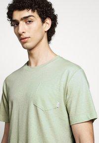 Tiger of Sweden - DIDELOT - Basic T-shirt - light green - 3
