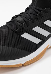 adidas Performance - COURT TEAM BOUNCE - Boty na házenou - core black/silver metallic/footwear white - 5