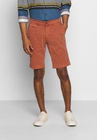 Baldessarini - JOERG - Shorts - metallic red - 0