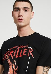 Mister Tee - MICHAEL JACKSON THRILLER VIDEO TEE - Print T-shirt - black - 3