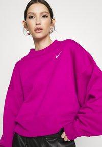 Nike Sportswear - CREW TREND - Sweatshirt - pink - 3