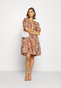 Object - OBJALICE SHORT DRESS FAIR - Day dress - sugar almond - 1
