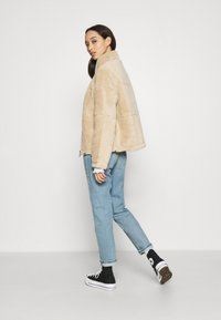 ONLY - FILIPPA - Light jacket - humus - 2