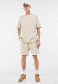 Bershka - Basic T-shirt - light grey - 1