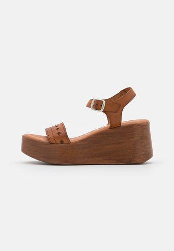MILI - Zuecos - brown