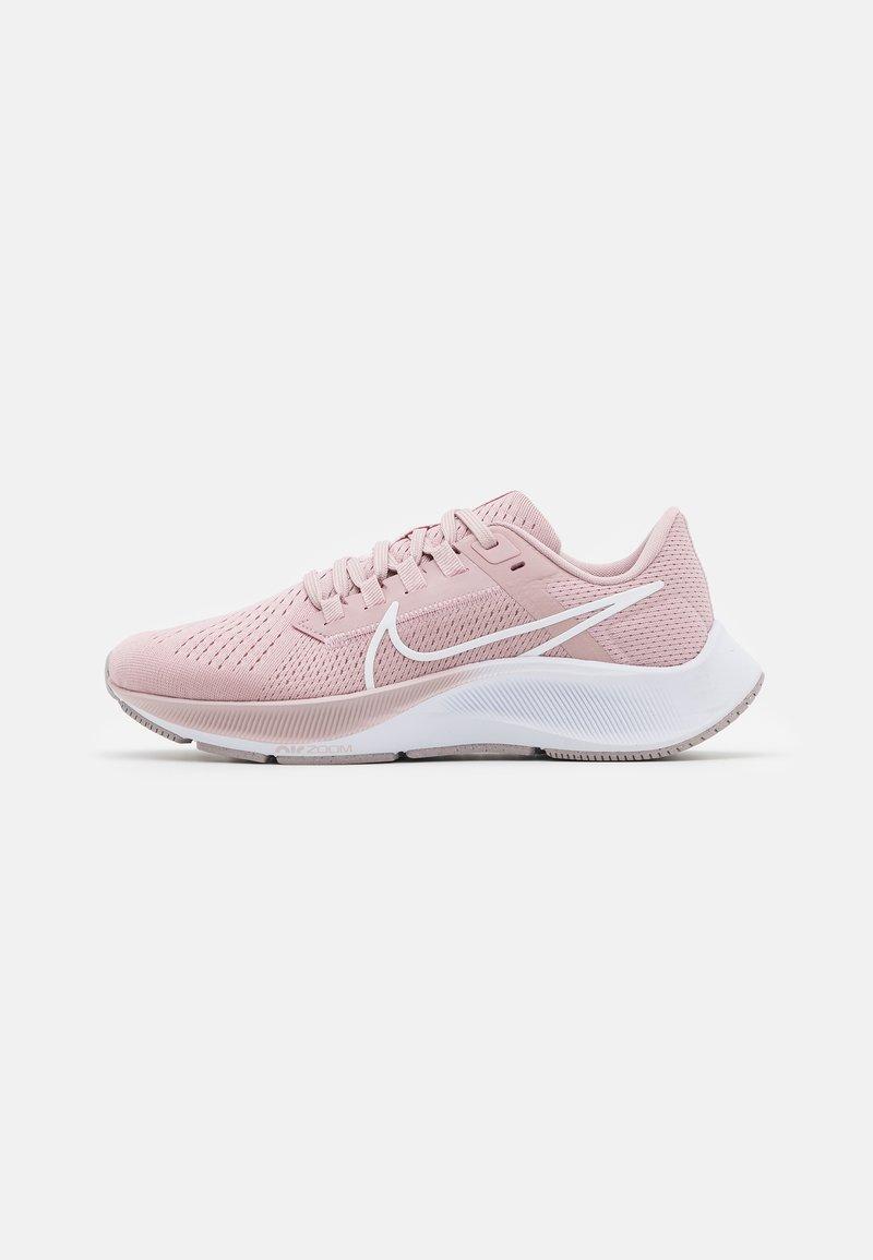 Nike Performance - AIR ZOOM PEGASUS 38 - Neutrální běžecké boty - champagne/white/barely rose/arctic pink