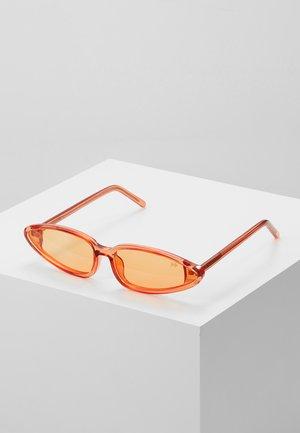 Sluneční brýle - clear red/orange