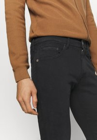 Replay - MAX TITANIUM - Slim fit jeans - black - 3