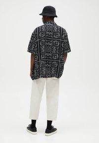 PULL&BEAR - Shirt - black - 2