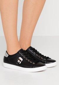 KARL LAGERFELD - KUPSOLE IKONIC LACE - Sneakers laag - black - 0