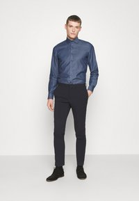 OLYMP Level Five - OLYMP LEVEL 5 BODY FIT  - Formal shirt - marine - 1