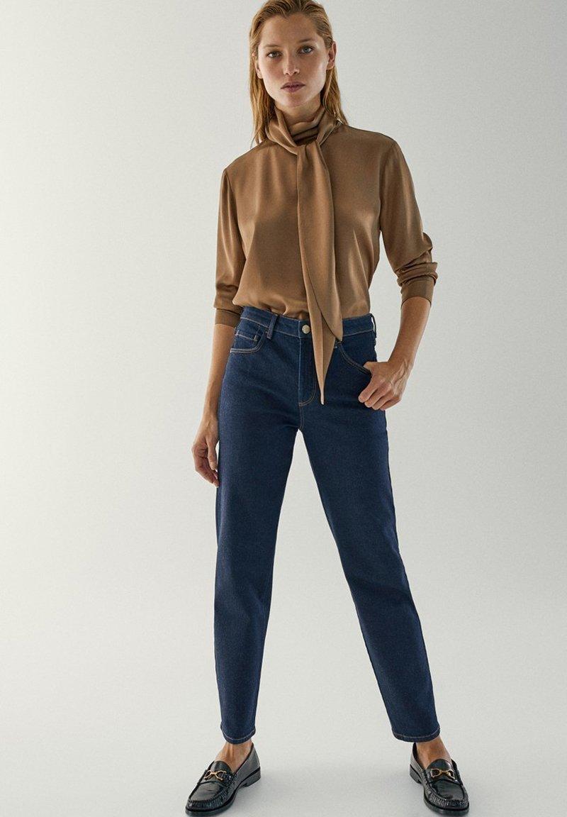 Massimo Dutti - MIT HALBHOHEM BUND - Slim fit jeans - dark blue