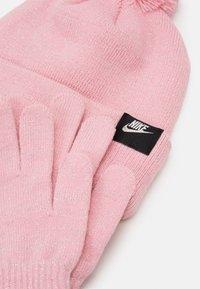 Nike Sportswear - FUTURA BEANIE GLOVE SET - Gloves - pink - 4