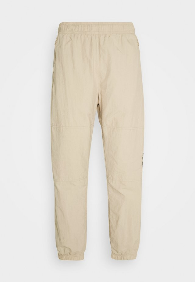 NOVELTY TRACK PANT UNISEX - Pantalon de survêtement - grain/velvet brown