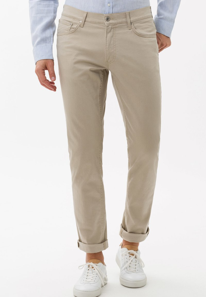 BRAX - STYLE CHUCK - Straight leg jeans - beige