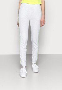 ONLY PLAY Tall - ONPALYSSA PANTS  - Tracksuit bottoms - white melange/safety yellow - 0