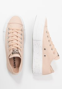 Converse - CHUCK TAYLOR ALL STAR LIFT - Baskets basses - shimmer/orange calcite/white - 3