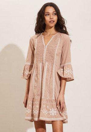 JAMILA - Day dress - soft taupe