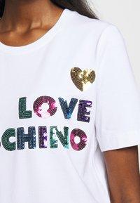 Love Moschino - T-shirt imprimé - white - 5