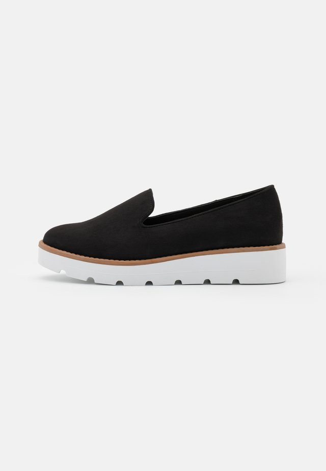 KAPTAIN CHUNKY LOAFER - Slippers - black