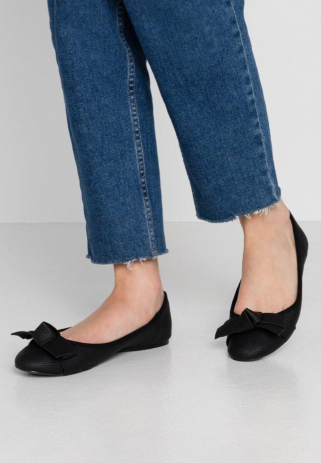ANTHIAA - Ballet pumps - black