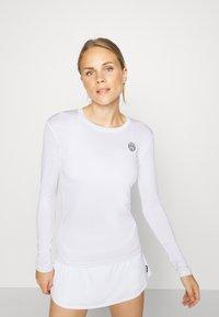 BIDI BADU - PIA TECH ROUNDNECK LONGSLEEVE - Sports shirt - white - 0