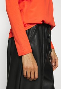Opus - FASINA - Long sleeved top - fresh coral - 4