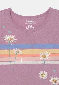 OshKosh - GRAPHIC - Print T-shirt - purple - 2