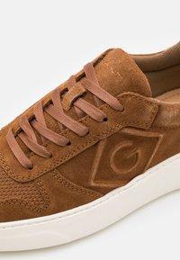 GANT - JOREE  - Sneakers - cognac - 5
