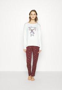 TOM TAILOR - XMAS ONECK  SET - Pyjamas - red dark allover - 0