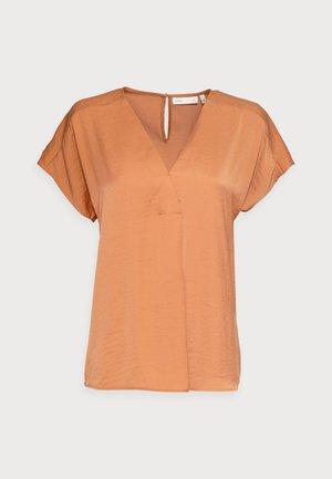 RINDA - Basic T-shirt - honey