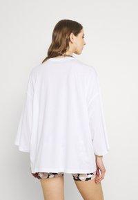 Monki - BILLA TEE - Basic T-shirt - white light - 2