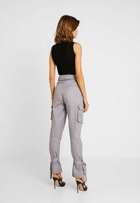 Missguided - D RING TIE HEM CARGO TROUSER - Trousers - grey - 2