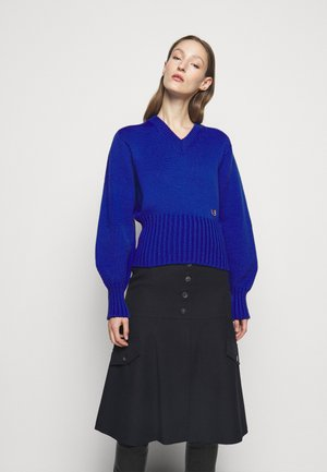 SEAMLESS V NECK JUMPER - Jumper - electric blue