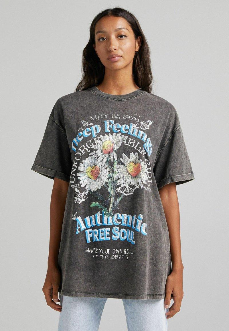 Bershka - T-shirt z nadrukiem - dark grey